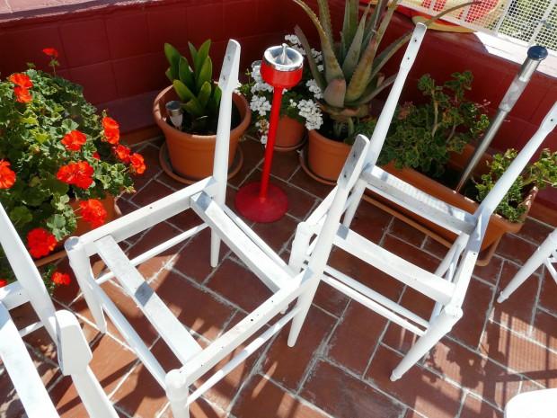 Arreglar las sillas viejas.