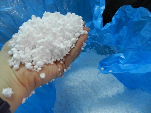 Cuidando el medio ambiente con la reutilización del poliestireno expandido.