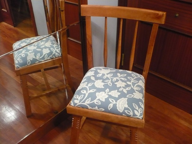 Trucos para tapizar las sillas viejas.