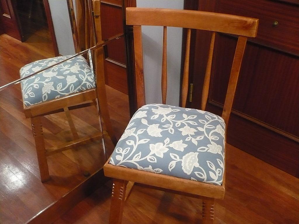 Renovar las sillas viejas del hogar.