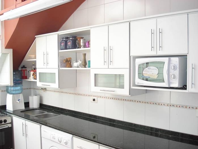 Amoblamientos de cocina muebles y complementos for Muebles de cocina en melamina modernos