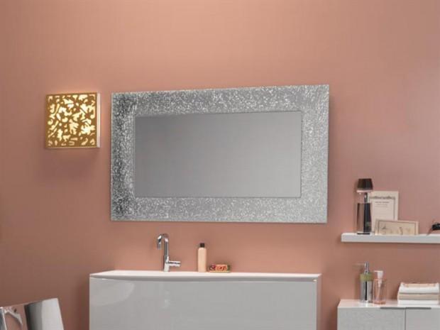 Espejos que decoran el baño.
