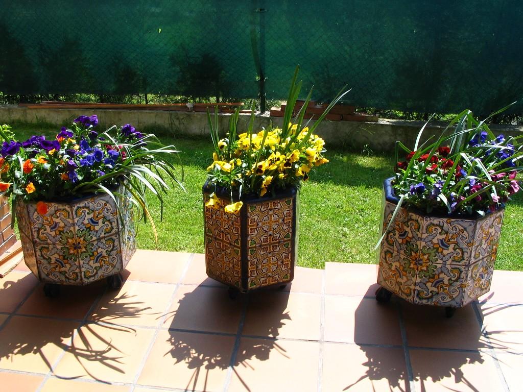 Macetas y plantas que tipo de maceta utilizar - Macetas de piedra para jardin ...