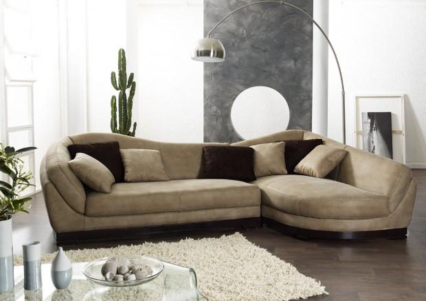 decorando con sofás y sillones.