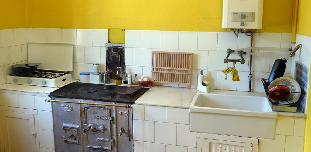 Cocinas antiguas remodelaci n reformas y fotos for Como remodelar una casa vieja con poco dinero