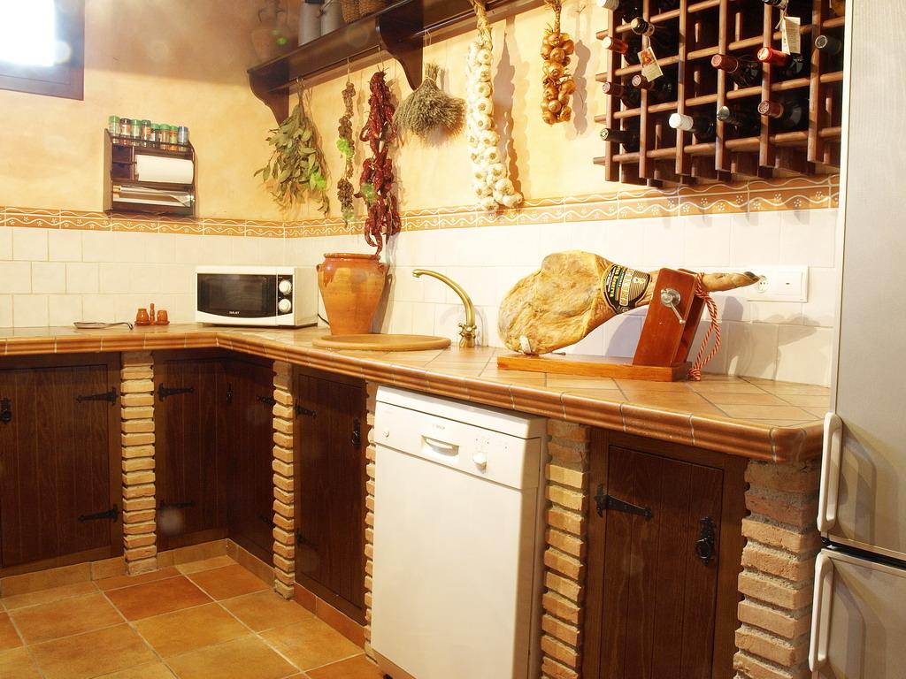 Cocinas r sticas cocinas con estilo for Modelos de cocinas rusticas