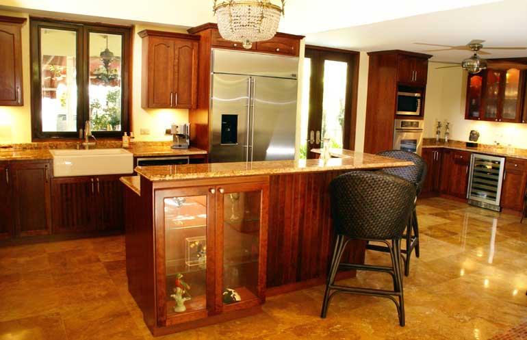 Gabinetes de cocina el gabinete ideal for Decoracion de gabinetes de cocina