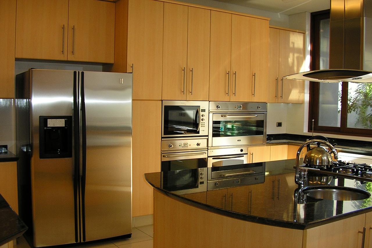 Puertas de cocina que puerta escoger for Muebles de cocina para exterior