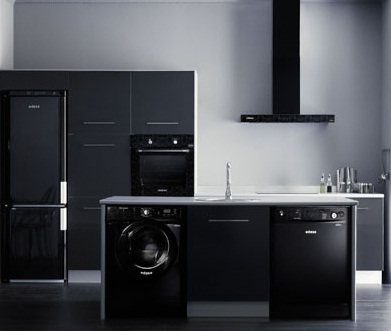 Electrodomésticos negros para la cocina