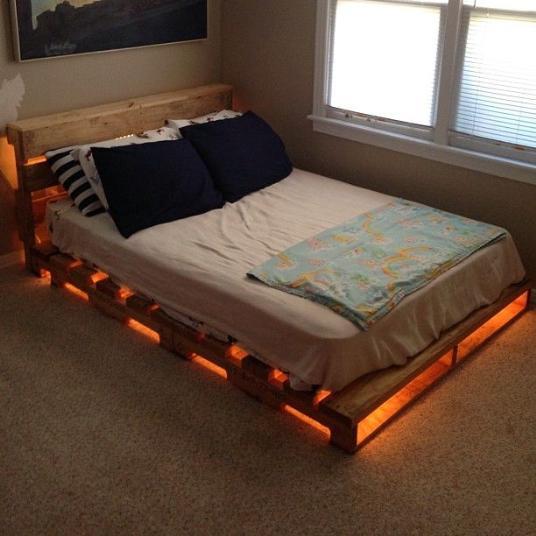 Muebles de palets con luces 2