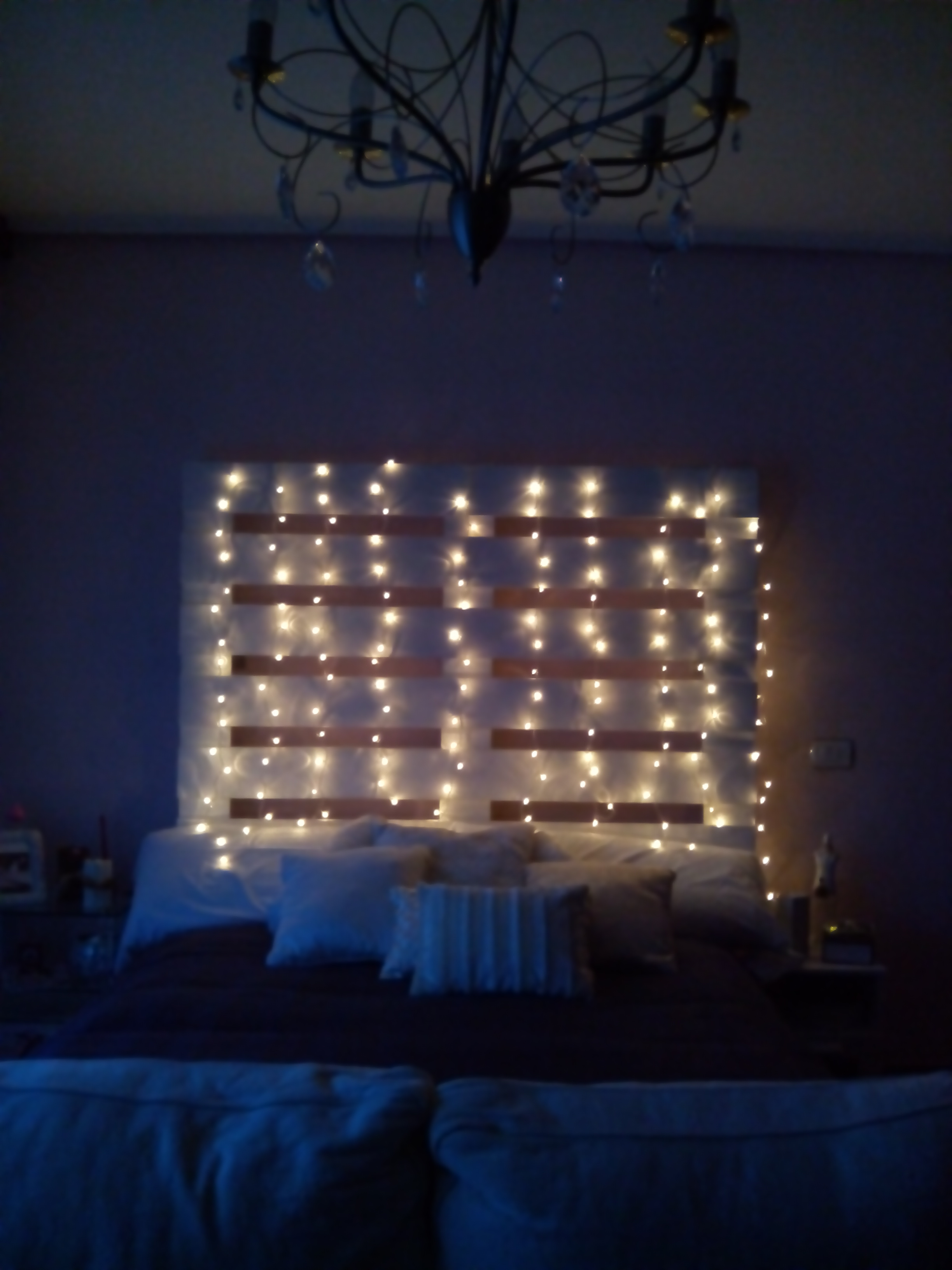 Muebles de palets con luces for Luces led para decorar