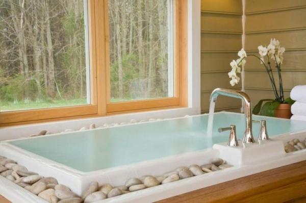 Cómo decorar el baño utilizando piedras naturales.