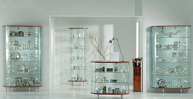 El uso de las vitrinas decorativas de cristal for Ikea vetrine in vetro