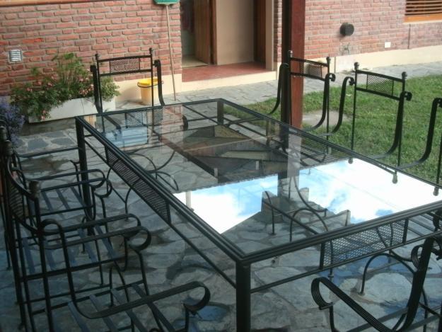 Mobiliarios hechos con hierro forjado for Muebles de jardin de hierro forjado