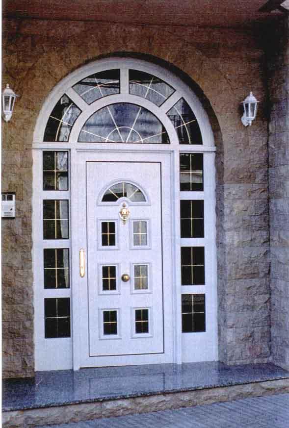 Fotos de puertas de aluminio modernas for Modelos de puertas y ventanas de aluminio