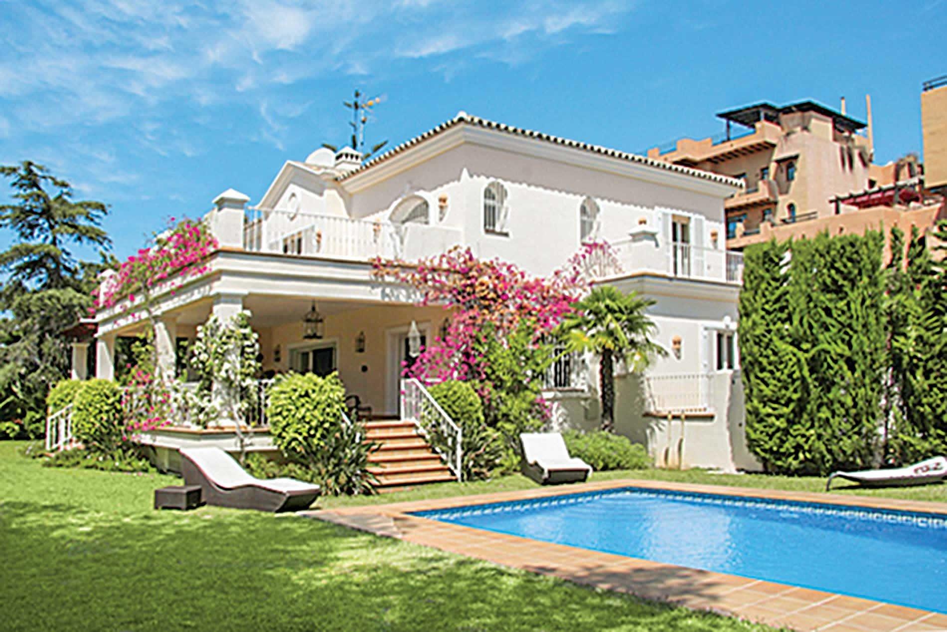 Cuanto dinero cuesta construir una casa for Cuanto cuesta hacer una piscina en mexico