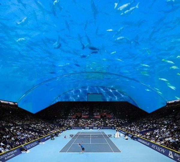 Cancha de tenis submarina en Dubai.