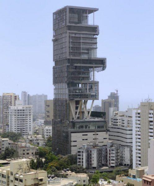 Antilia es el nombre de la vivienda personal de veintisiete piso en el sur de Mumbai perteneciente al empresario y billonario Mukesh Ambani. Antilia cuenta con 400,000 pies cuadrados (37,000 m2) de espacio para vivir, estacionamiento para 168 automóviles, nueve elevadores, tres helipuertos e instalación para control de tráfico aéreo, centro de rehabilitación, estudio de yoga, un microcine.