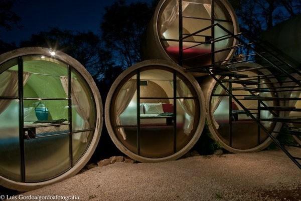 hoteles con tubos de concreto