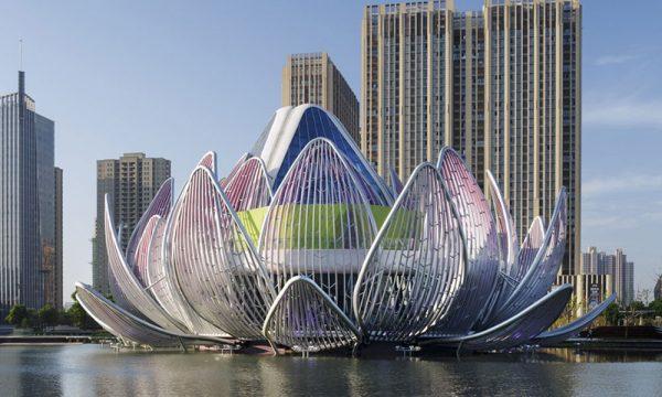 Lotus Building, espectacular edificio con forma de flor de loto.
